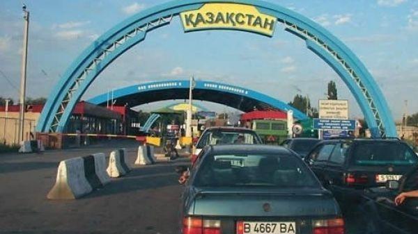 Kazakhstan expands import ban on products from Kyrgyzstan, Kyrgyzstan to compensate losses for victimised traders